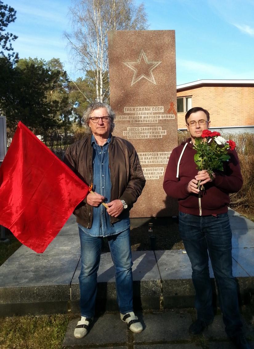 Puheenvuoro neuvostosotilaiden hautamuistomerkillä Voiton päivänä9.5.2016